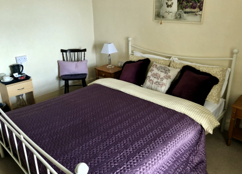 Room 6 - Classic double bed